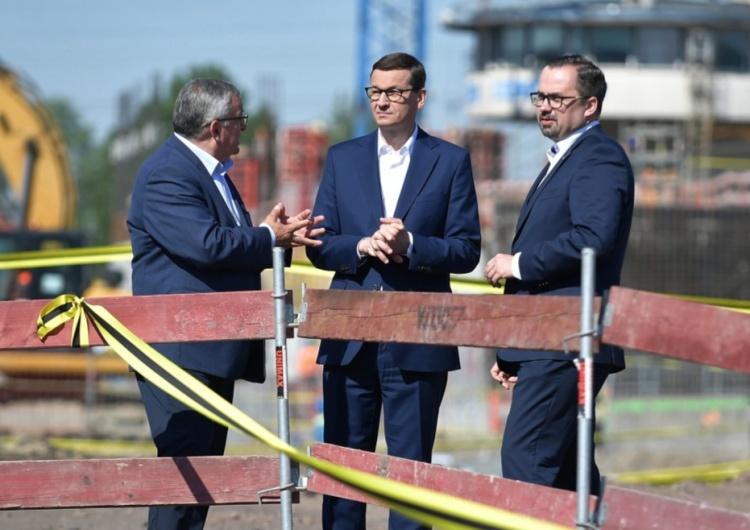 Premier: Stawiamy na kolej przyszłości. Inwestycje kolejowe zwiększają możliwości biznesowe w Polsce
