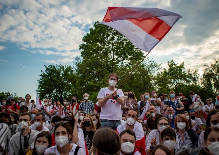 Protest przeciwko białoruskiemu reżimowi, zdjęcie ilustracyjne Europosłowie chcą większych sankcji wobec Białorusi