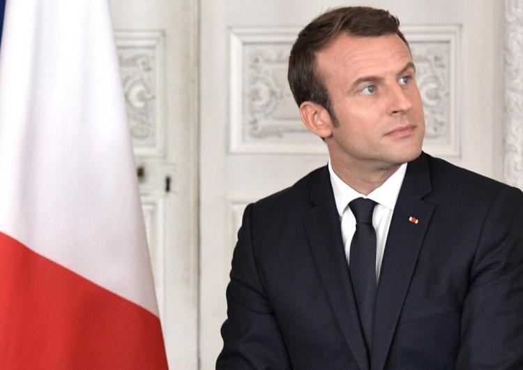 Marianne, giflée ? Non, Macron!