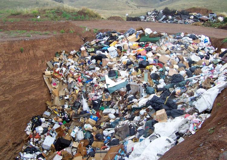 Niemieckie odpady transportowane do Polski.