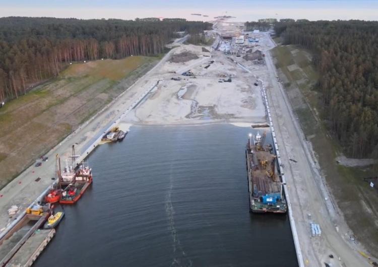przekop Mierzei Wiślanej Przekop Mierzei: W tym miesiącu turyści przejadą po nowym moście nad kanałem żeglugowym