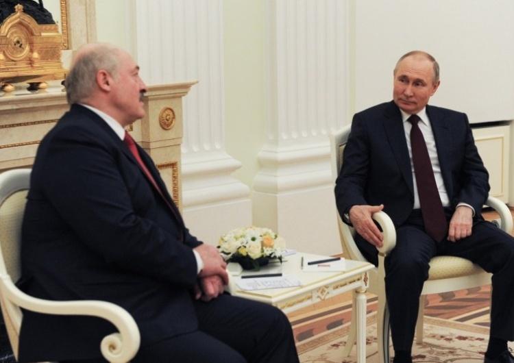 Prezydent Białorusi Aleksander Łukaszenko i prezydent Rosji Władimir Putin Nieoficjalnie: Zielone światło ws. sankcji dla Białorusi