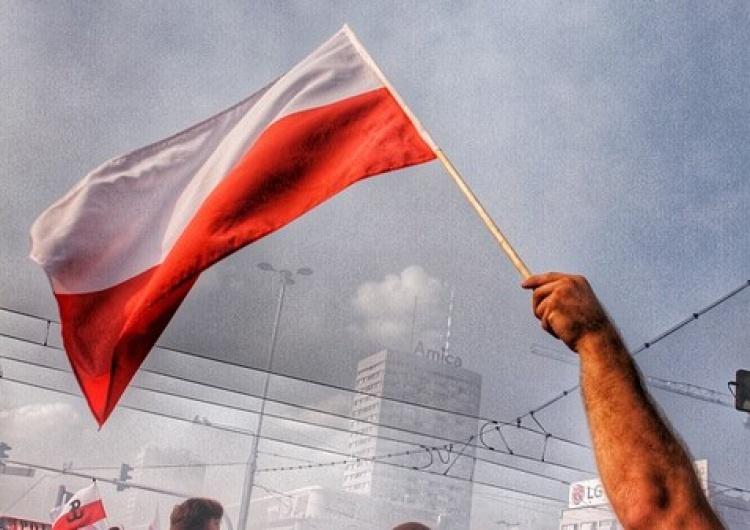 polska flaga [Tylko u nas] Cezary Krysztopa: Musimy wyjść z okrążenia