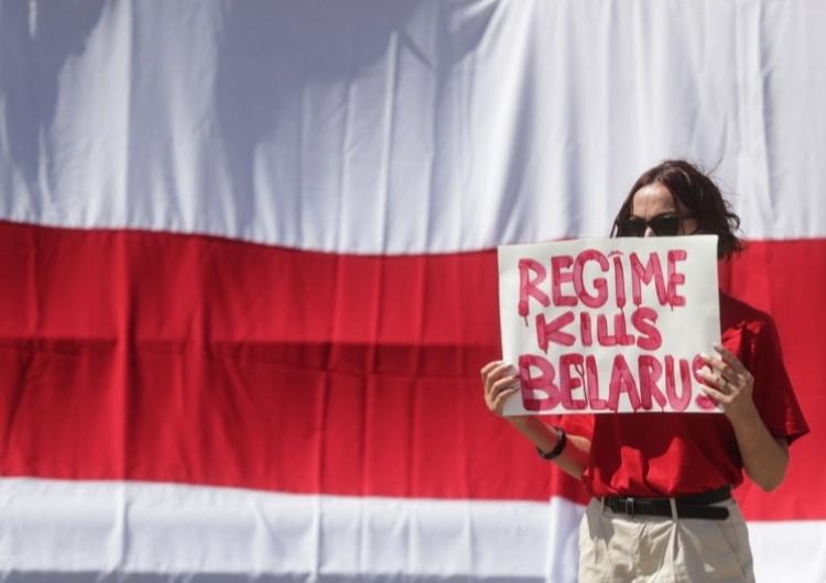 Protest przeciwko białoruskiemu reżimowi, zdjęcie ilustracyjne  Białoruś mocno odpowiada na sankcje. Ambasador UE