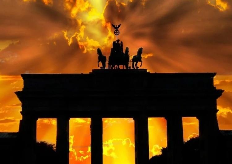 Brama Brandenburska [Tylko u nas] Dr Rafał Brzeski: Dlaczego Niemcy wciąż nie mają konstytucji? Odpowiedź może być bardzo niepokojąca