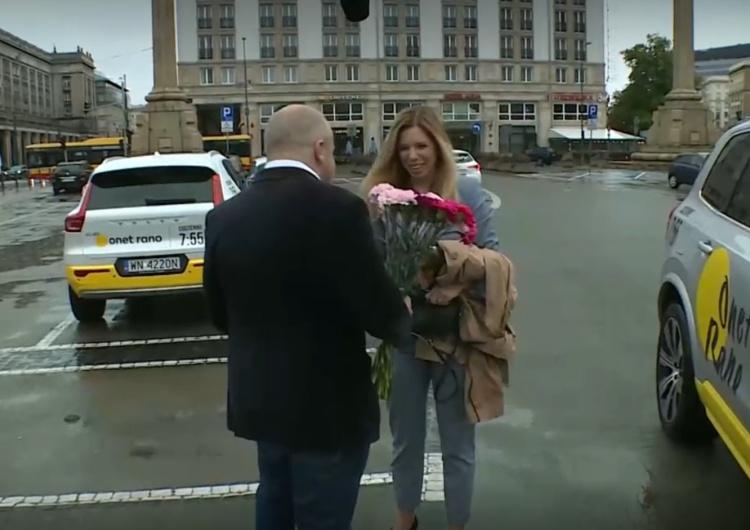 Poseł PO Paweł Kowal wręczył kwiaty zdymisjonowanej wiceminister Annie Korneckiej (Porozumienie). Poseł PO wręczył kwiaty zdymisjonowanej Korneckiej. Za co jej dziękował?