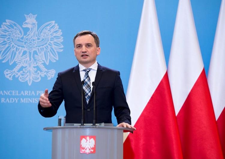 Minister sprawiedliwości i Prokurator Generalny Zbigniew Ziobro Ziobro: Ataki na reformę sądownictwa to element wojny hybrydowej ze strony UE
