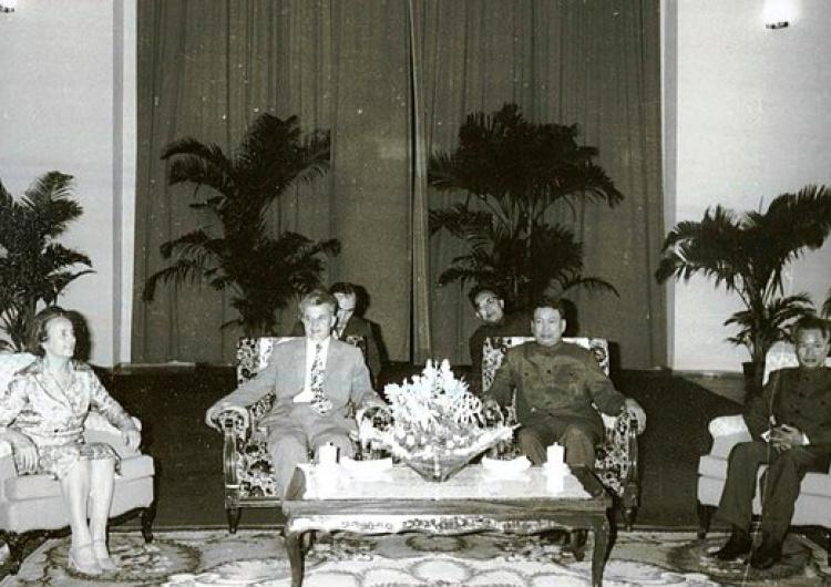 Pol Pot et Khieu Samphân, en compagnie de Nicolae Ceaușescu et de son épouse Elena, en 1978 Jugement en appel de Khieu Samphân, principal ministre de Pol Pot