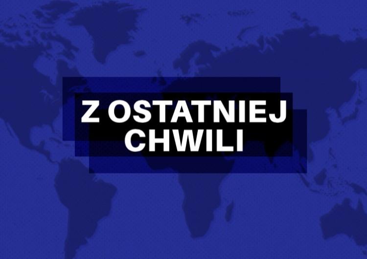 Szczecin: Bus staranował część pomnika Lecha Kaczyńskiego na alei Wojska Polskiego