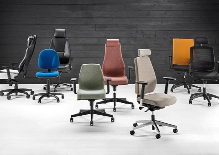 Jak wybrać odpowiedni fotel do biurka?