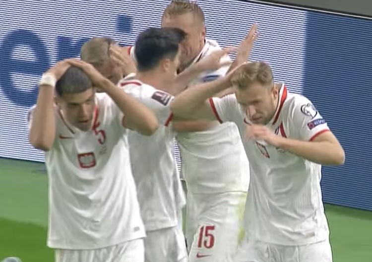 Polscy piłkarze obrzuceni butelkami przez Albańczyków. Mocny wpis Anity Włodarczyk hitem internetu