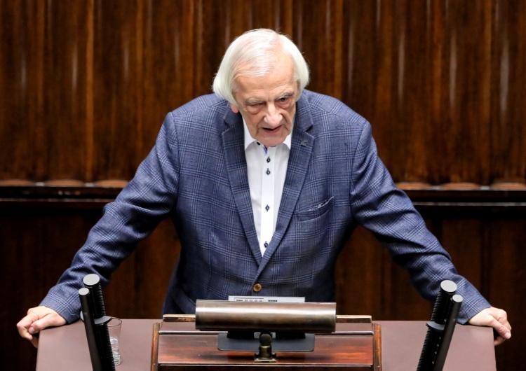 """Szef klubu parlamentarnego PiS Ryszard Terlecki """"Panie przewodniczący, pan bezczelnie kłamie"""". Spięcie między Terleckim a Kosiniakiem-Kamyszem"""