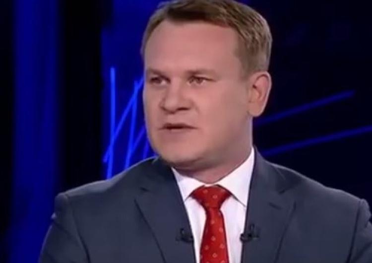 """zrzut ekranu Poseł Tarczyński zapewnia wsparcie prawne w pozwach uczestników MN. """"Dość tego kłamstwa!"""""""