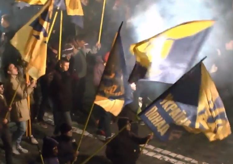 Antypolska manifestacja na ulicach Lwowa - przeszedł marsz ku czci Romana Szuchewycza