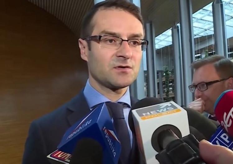 """Tomasz Poręba: """"Na stronach głównych TV ani słowa o podniesieniu przez S&P ratingu Polski..."""""""