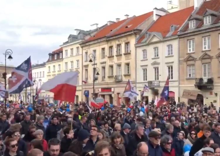 """[Komentarze] Narodowy Marsz Życia: """"Miłość zwycięży"""", """"Jest moc"""", """"Sukces"""", """"Konstytucja!"""""""