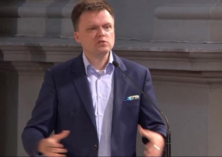 """Szymon Hołownia o """"śmierci polskiego kościoła"""" po spaleniu książek. Dziennikarz Onetu odpowiada"""
