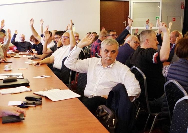 """Komisja Krajowa: """"Nie możemy się zgodzić na wykorzystywanie nauczycieli do celów politycznych"""""""