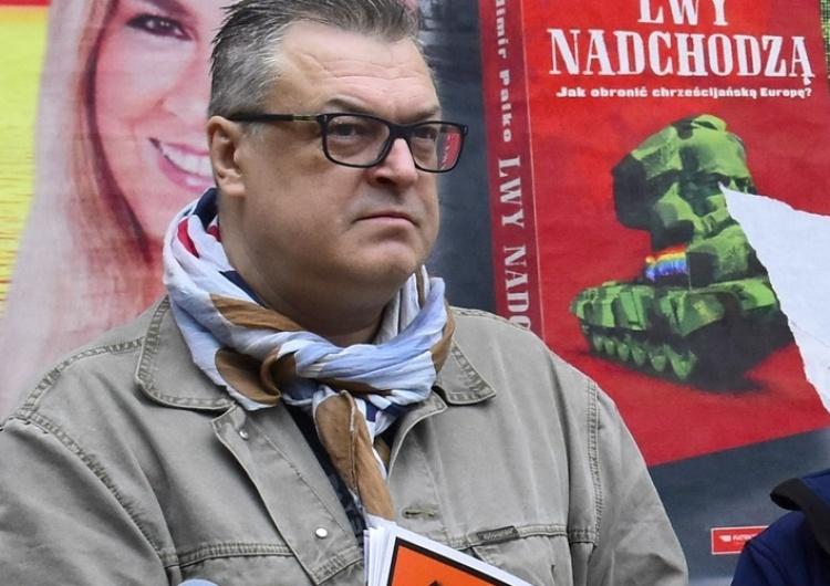 """[video] """"Debilizm i bolszewizm"""". Wojciech Korkuć ostro zniszczeniu plakatów """"TS"""" jego autorstwa"""