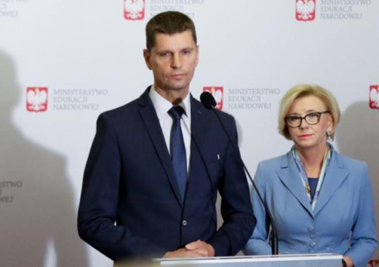 """""""Żądamy realizacji postulatów z 7 kwietnia!"""". NSZZ Solidarność w ostrym liście do min. Piontkowskiego"""