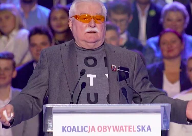 """""""Nazywa Kornela zdrajcą i dostaje brawa. Dzień po pogrzebie. Masakra"""". W sieci zawrzało po słowach Wałęsy"""