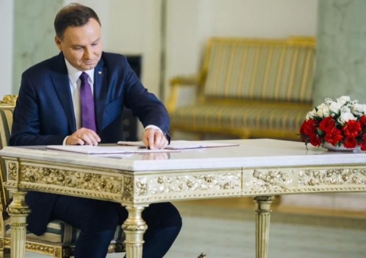 Prezydent podpisał osiem ustaw. Czy biurokracja zacznie się zmniejszać?