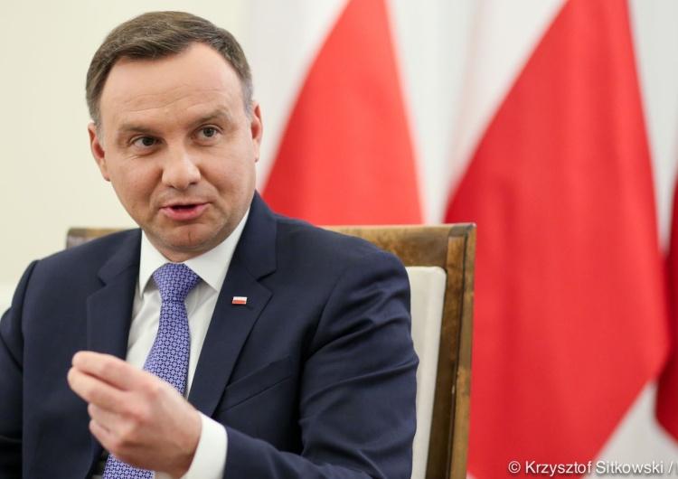 Andrzej Duda skierował do TK ustawę o jawności majątku rodzin najważniejszych urzędników