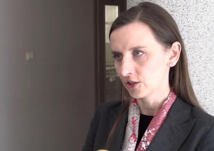 """Spurek ws. aborcji w Polsce zwraca się do KE. Prawnik: """"Pani europoseł popisuje się krańcową ignorancją"""""""