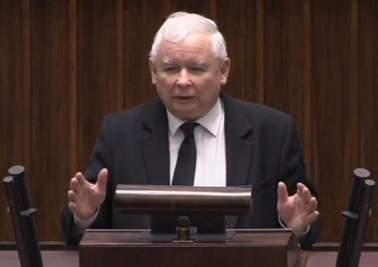 """[video] """"Bardzo proszę o to, by to nie były tylko słowa"""". Jarosław Kaczyński o końcu opozycji totalnej"""