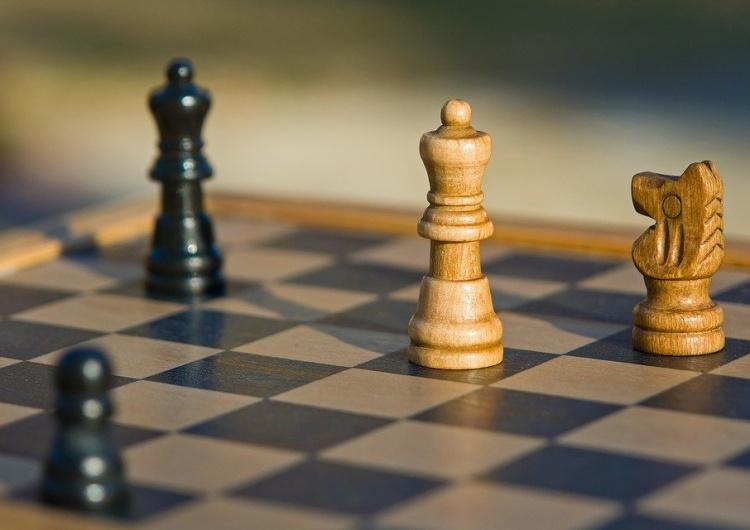 Prawy Sierpowy: Prawybory, czyli jak zakonserwować stare...