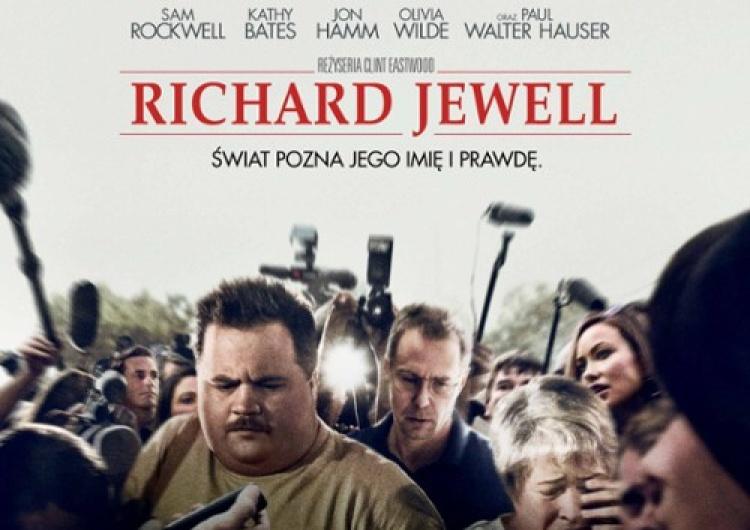 """[Iść czy nie iść - recenzja] """"Richard Jewell"""", czyli walka jednostki z systemem"""