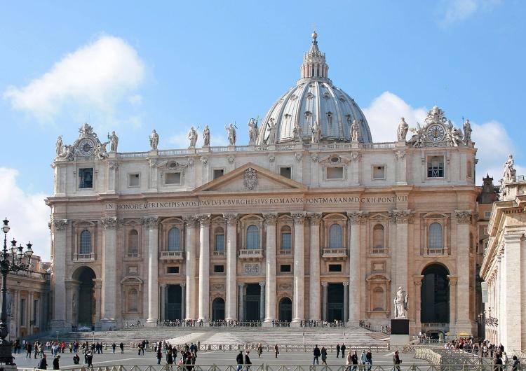 Flicka Decyzja zapadła?  Papież Franciszek częściowo zniesie celibat księży?