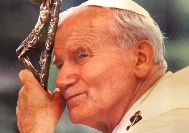 """Dennis Jarvis """"Jan Paweł II jest bardzo istotnym symbolem polskości"""". Inauguracja obchodów roku św. Jana Pawła II"""