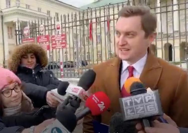 """[video] Min. Kaleta zapowiada kontrolę ws. SokuZBuraka. """"Mieszkańcy Pucka"""" atakują i obrażają"""