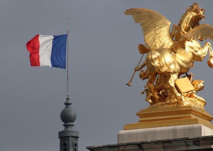 Francja: Mimo epidemii i kryzysu służby zdrowia rząd zapewni dostęp do aborcji bez zakłóceń