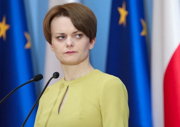 [video] Min. Emilewicz o nowych planach pomocy: Ochrona firm z polskim kapitałem, pomoc dla samorządów