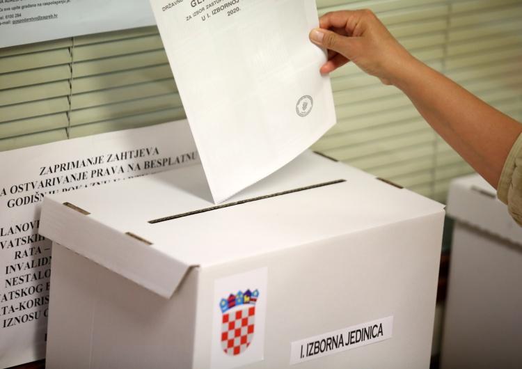 Chorwacja: Niedzielne wybory parlamentarne wygrywa centroprawicowa HDZ