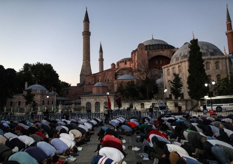 Turcja: Hagia Sophia ponownie stała się meczetem. Erdogan podpisał dekret