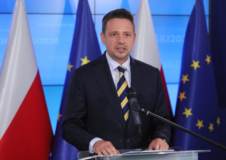"""Paweł Supernak Smoktunowicz kpi z powrotu Trzaskowskiego do ratusza: """"Welcome back to work, Mr. President..."""""""