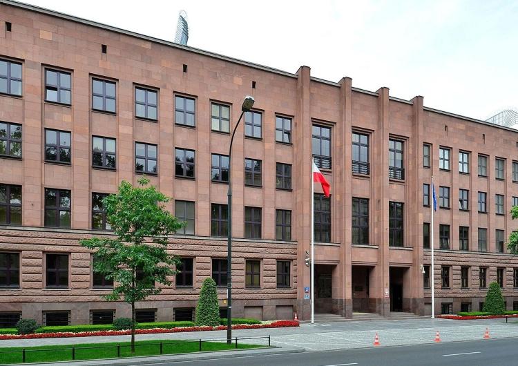 Siedziba Ministerstwa Spraw Zagranicznych RP w Warszawie Polskie MSZ potępia działania w Abchazji
