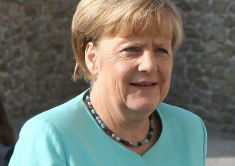 Pogoda zatrzymała Angelę Merkel